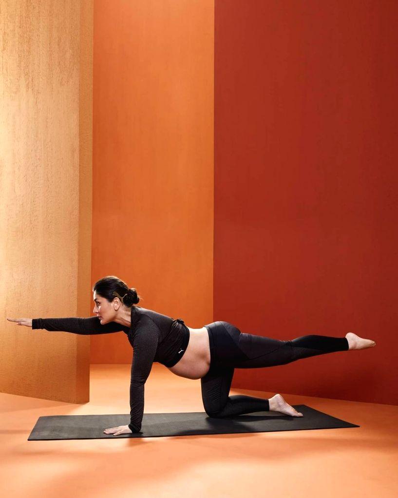 Kareena Kapoor supports yoga during pregnancy on 25 Jan 2021 ( Photo: Instagram) - Kareena Kapoor
