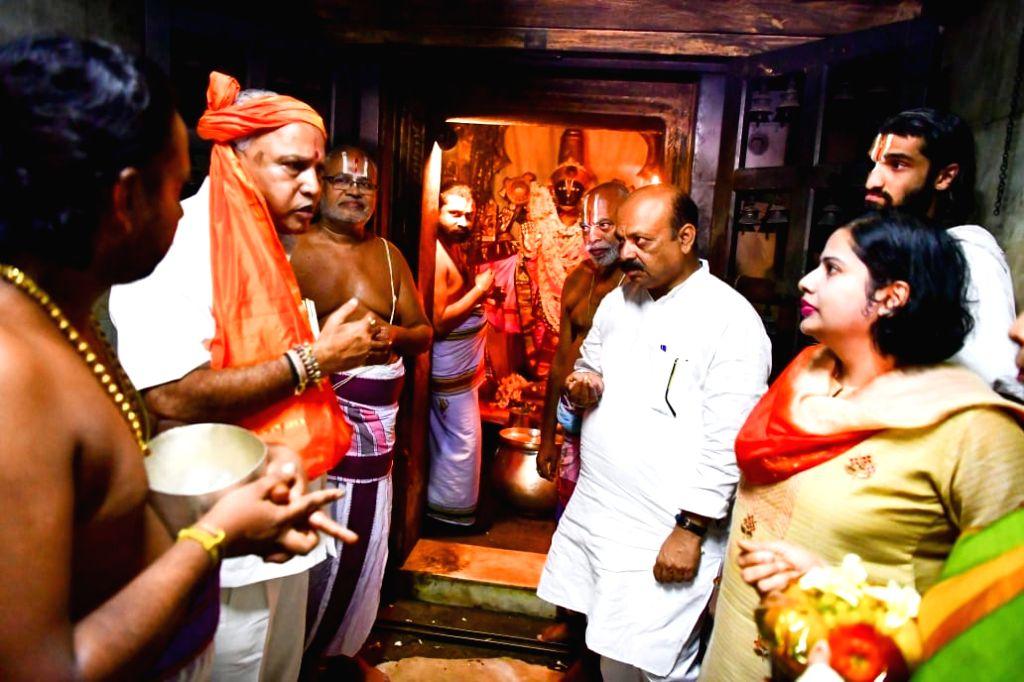 Karnataka Chief Minister B.S. Yediyurappa during his visit to the Cheluvanarayana Swamy temple at Melukote in Karnataka's Mandya on July 27, 2019. - B.