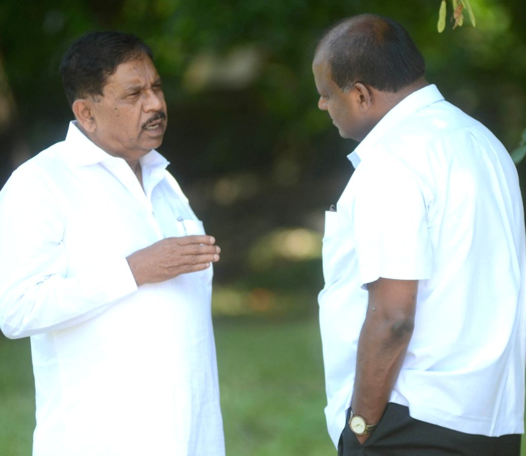 Karnataka Chief Minister H.D. Kumaraswamy and Deputy Chief Minister G. Parameshwara after paying tributes to the country's first Prime Minister Pandit Jawaharlal Nehru on his 55th death ... - H.