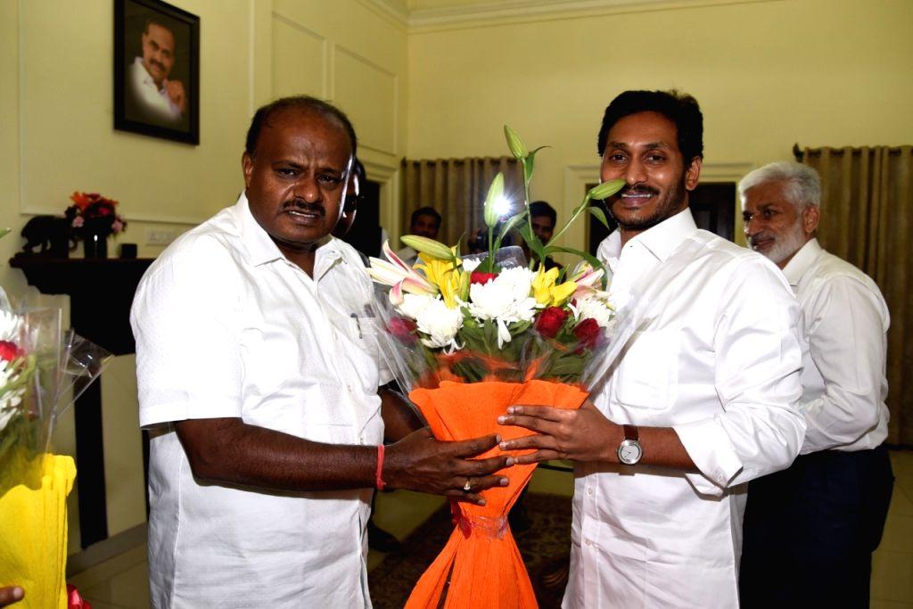 Karnataka Chief Minister H.D. Kumaraswamy meets Andhra Pradesh Chief Minister Y. S. Jaganmohan Reddy, in New Delhi on June 15, 2019. - H.