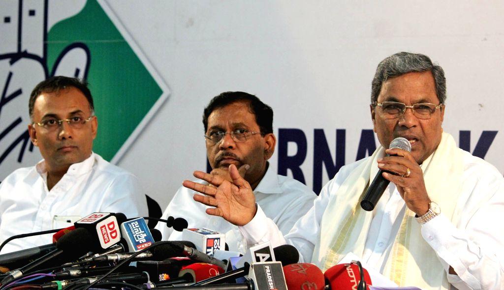 Karnataka Chief Minister Siddaramaiah addresses a press conference in Bengaluru on July 19, 2016. - Siddaramaiah