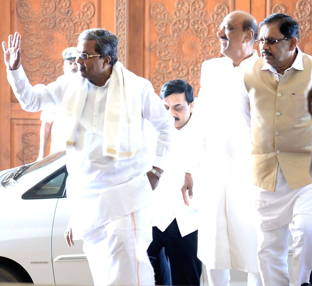 Karnataka Chief Minister Siddaramaiah arrives to attend the 1st day of the winter session of the Karnataka Assembly at Survarna Vidhana Soudha in Belagavi on Nov 21, 2016. - Siddaramaiah