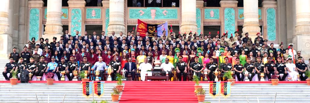 Karnataka Chief Minister Siddaramaiah with NCC Cadets of Karnataka and Goa who participated Republic Day parade in New Delhi; at Vidhana Soudha, in Bengaluru on Feb 5, 2019. - Siddaramaiah