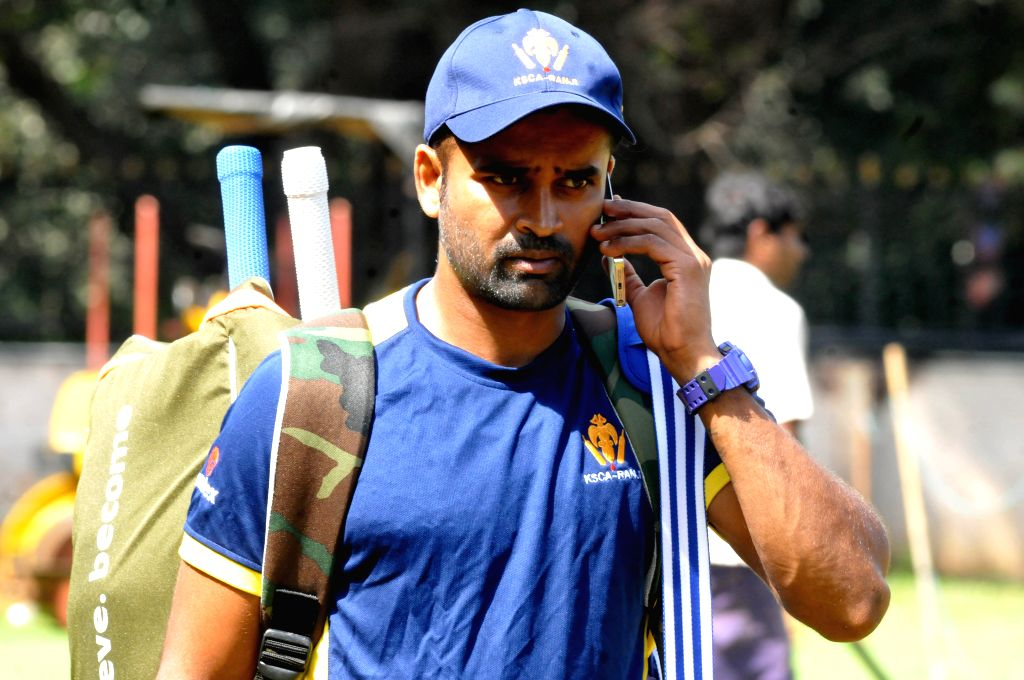 Karnataka's Ranji-winning captain Vinay Kumar retires from cricket (Photo: IANS) - Vinay Kumar