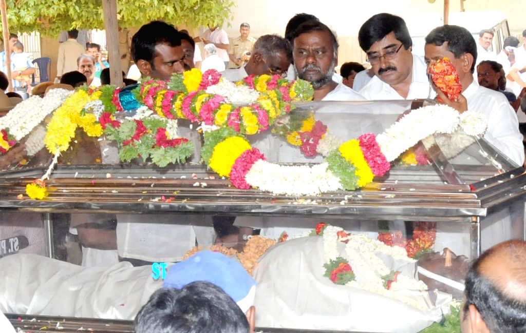 Karnataka Social Welfare Minister H Anjenaiah pays his last respect to Karnataka JD(S) president and party candidate for Tumkur Lok Sabha seat, A Krishnappa who passed way following a heart-attack at - H Anjenaiah