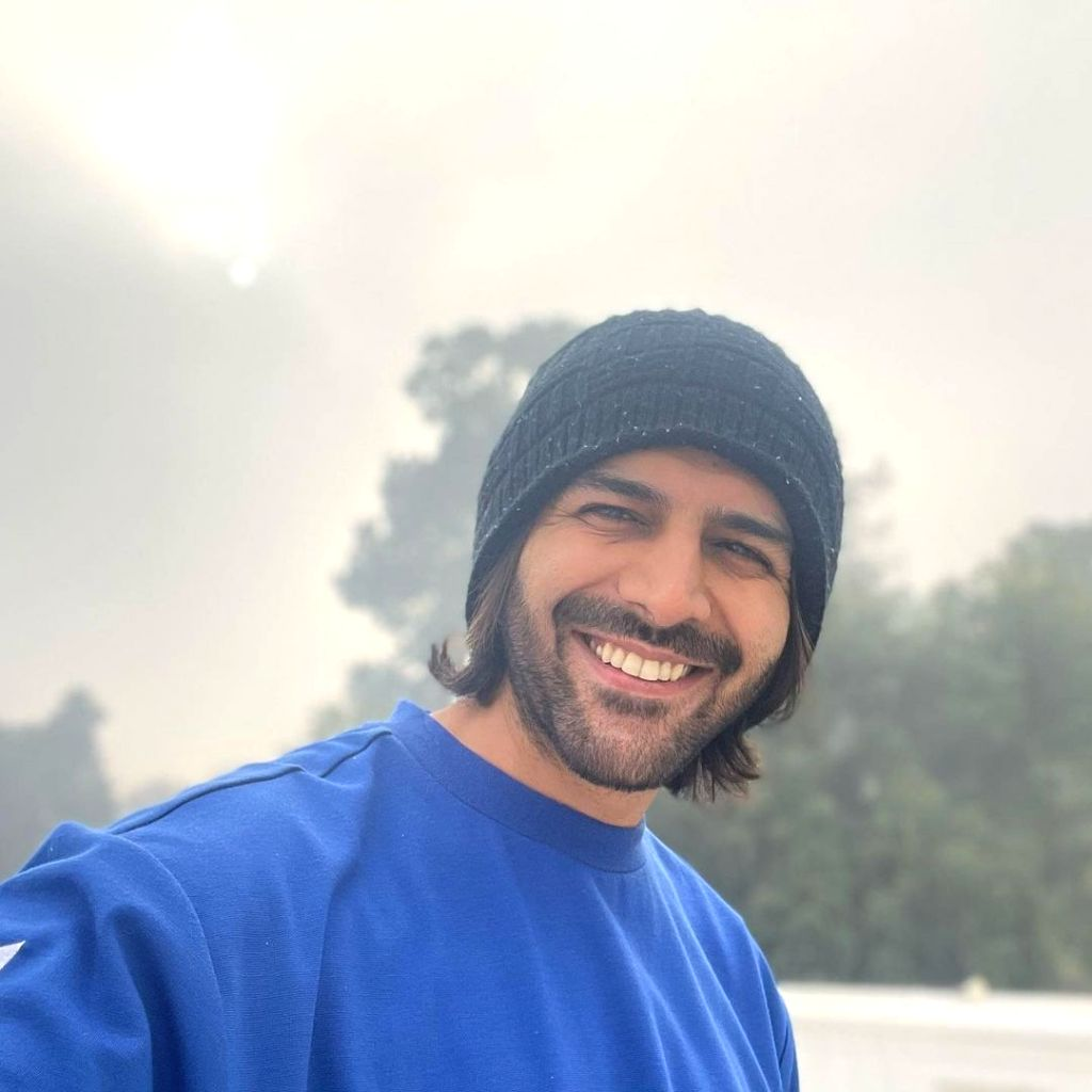 Kartik Aaryan shares his definition of real happiness.(photo:Instagram)