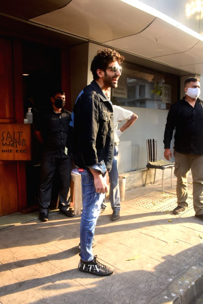 Kartik Aaryan spotted in Bandra on Wednesday 03rd March, 2021.