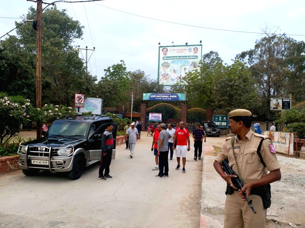 Kasu Brahmananda Reddy National Park, the only park opened for walkers amid COVID-19 pandemic in Hyderabad on 19 March 2020.