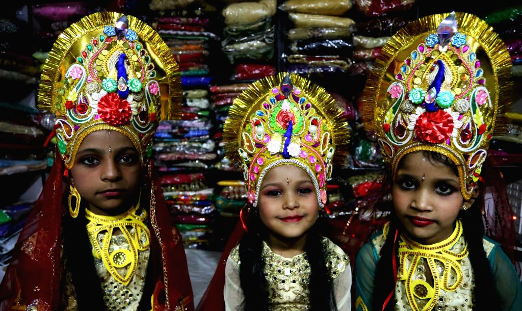 KATHMANDU, Oct. 1, 2016 - Nepali girls dressed up as Goddess Durga get ready for a rally to mark  Ghatasthapana, the first day of Dashain festival, in Kathmandu, Nepal, Oct. 1, 2016. Dashain festival ...