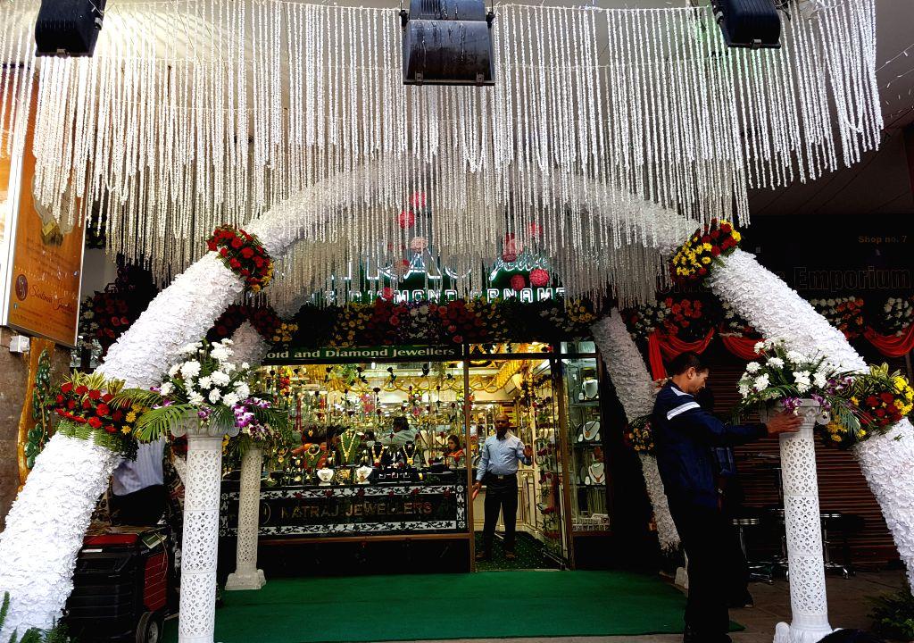 KATHMANDU, Oct. 28, 2016 - A shop is decorated for Tihar festival in Kathmandu, Nepal, Oct. 28, 2016.