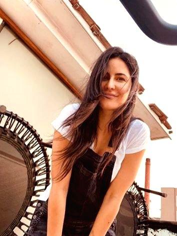 Katrina Kaif is all smiles in new selfie. - Katrina Kaif