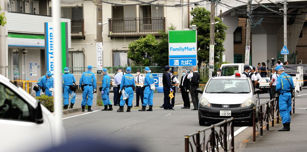 KAWASAKI, May 28, 2019 (Xinhua) -- Police officers investigate around the stabbing site in a residential area near Noborito Station in Kawasaki City, which lies to the west of Tokyo, May 28, 2019. Police officers investigate around the stabbing site