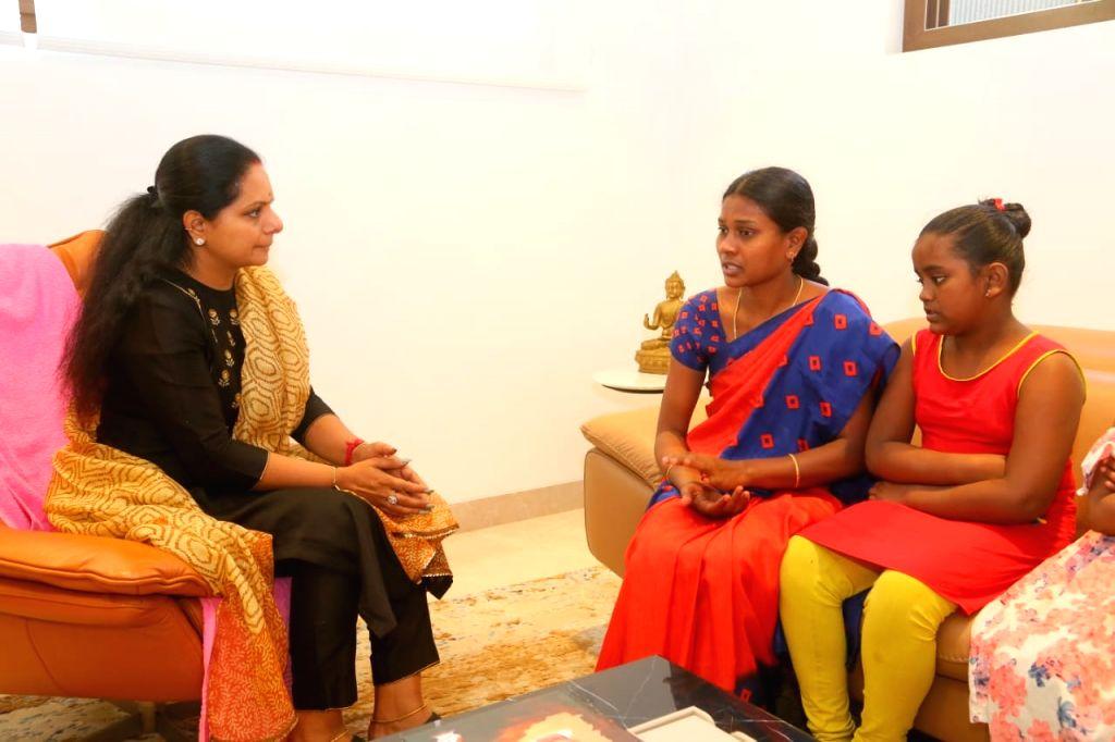 KCR's daughter helps loan app victim's family