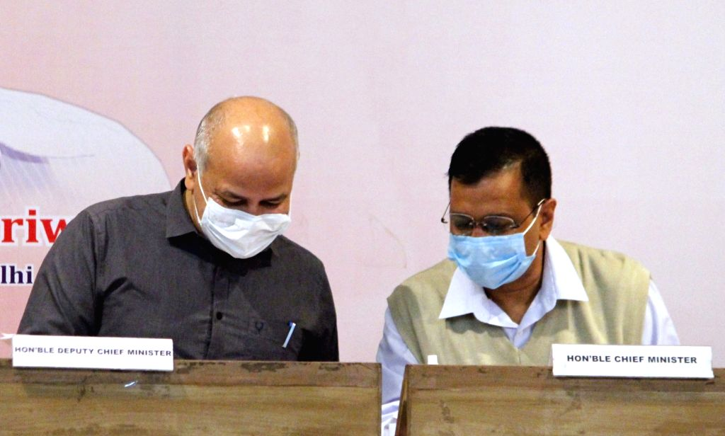 Kejriwal, Sisodia asked to appear in defamation case 'without any failure' on Dec 3