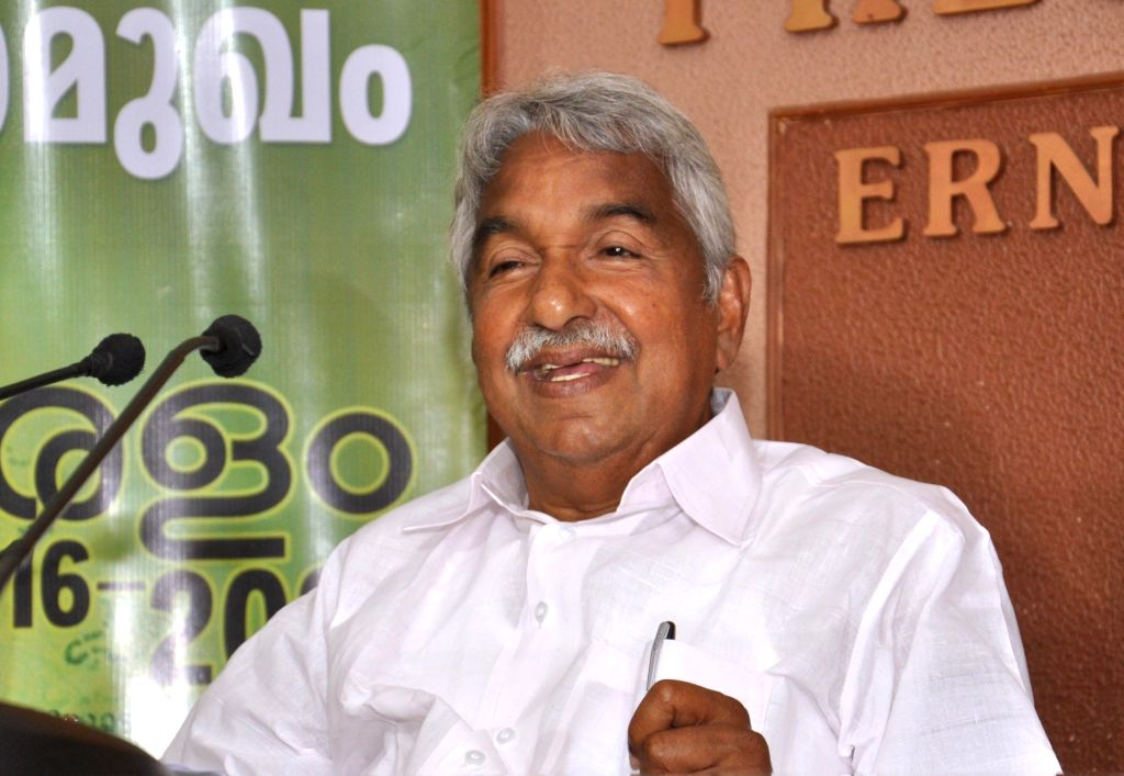 Kerala Chief Minister Oommen Chandy addresses a press conference in Kochi on May 12, 2016. - Oommen Chandy