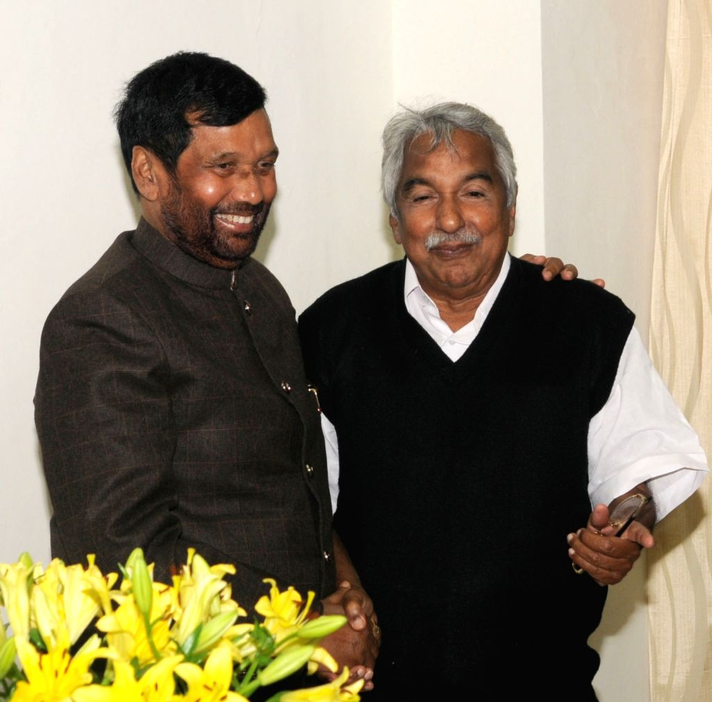 Kerala Chief Minister Oommen Chandy calls on Union Minister for Consumer Affairs, Food and Public Distribution Ram Vilas Paswan in New Delhi on Dec 10, 2015.