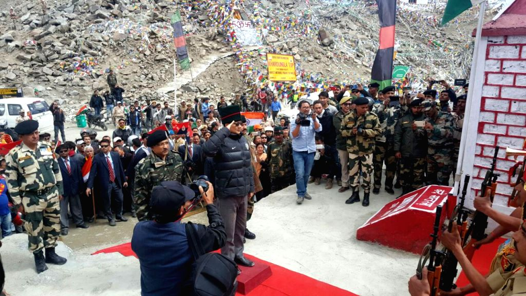 Khardung La: Minister of State for Home Affairs Kiren Rijiju during the flag-off ceremony of Infinity Ride 2016, the Para Cycling Expedition of BSF and Aditya Mehta Foundation, in Khardung La, Ladakh on Aug 15, 2016. (Photo: IANS/PIB) - Mehta Foundation
