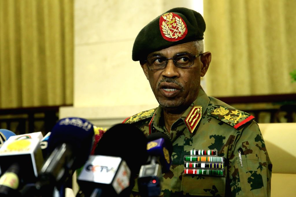 KHARTOUM, Feb. 24, 2019 (Xinhua) -- Newly-appointed Sudanese first vice president Awad Mohamed Ahmed Ibn Auf speaks to reporters after taking the constitutional oath at the Presidential Palace in Khartoum, Sudan, Feb. 24, 2019. Sudanese President Oma