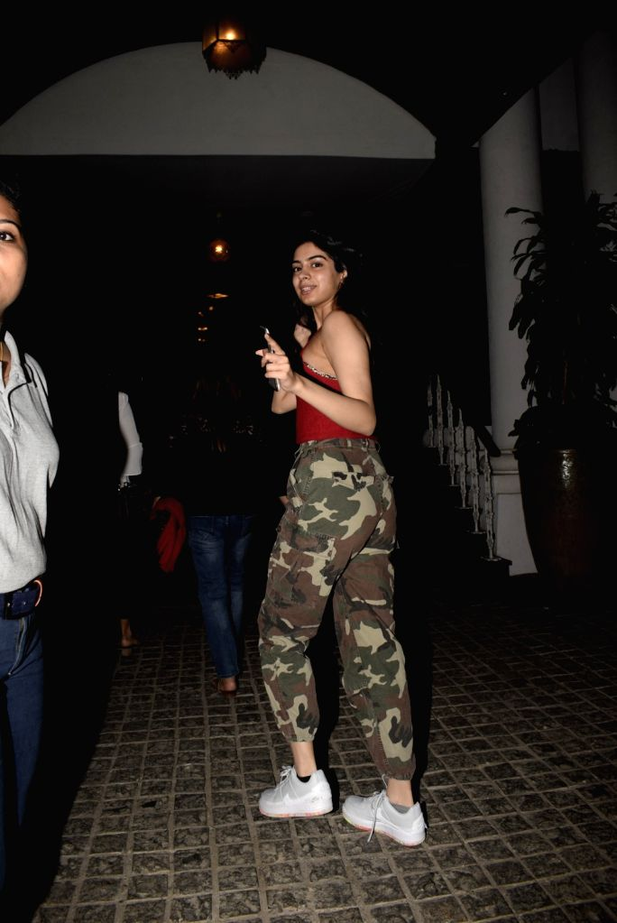 Khushi Kapoor, daughter of producer Boney Kapoor and late actress Sridevi seen outside a club in Mumbai's Bandra, on March 7, 2019. - Sridevi and Khushi Kapoor