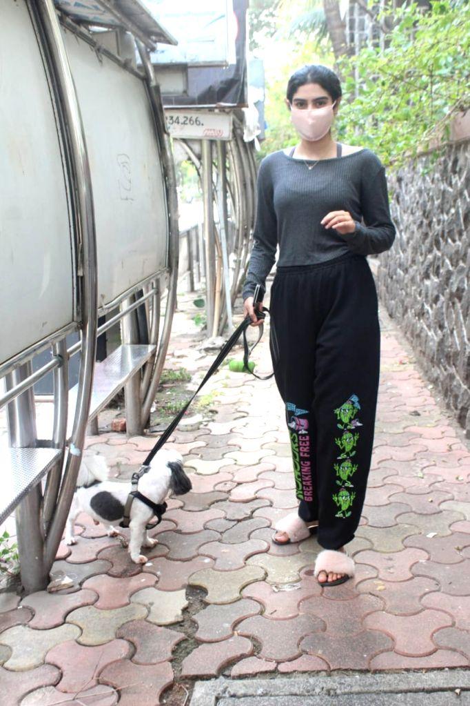 Khushi Kapoor Spotted At Lokhandwala Andheri on 26 May,2021.