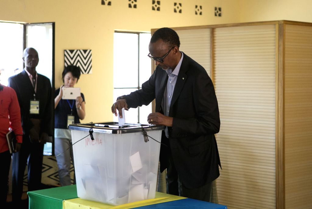 KIGALI, Aug. 4, 2017 - Rwandan presidential candidate and incumbent President Paul Kagame casts his vote in Kigali, capital city of Rwanda, on Aug. 4, 2017. Rwandan presidential elections kicked off ...