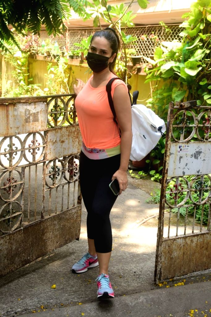 Kim Sharma Spotted In Bandra On Monday 12th April, 2021.