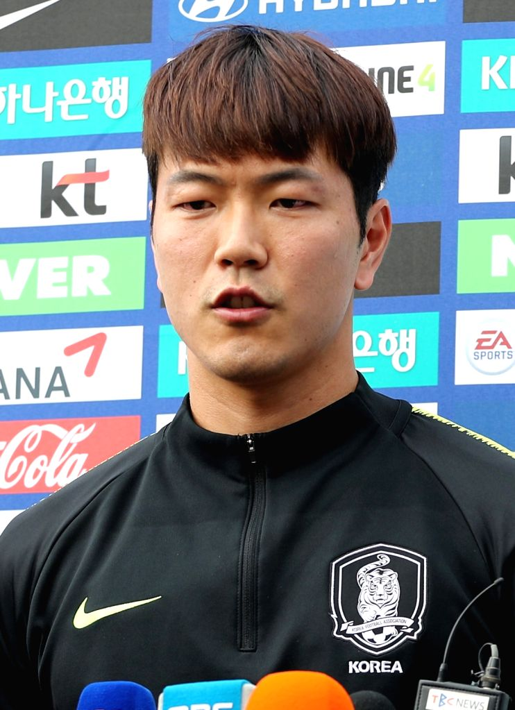 Kim Young-kwon, a player of South Korea's national football team speaks to reporters in the southeastern city of Daegu on May 29, 2018, as he takes part in a training session in the run-up to ...