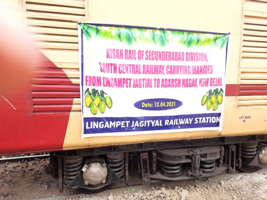 Kisan Rail transports first load of Telangana mangos to Delhi .