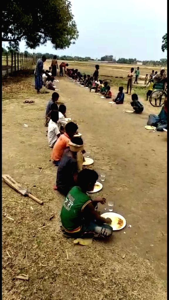 Kitchen running under 'begging' in Bihar.