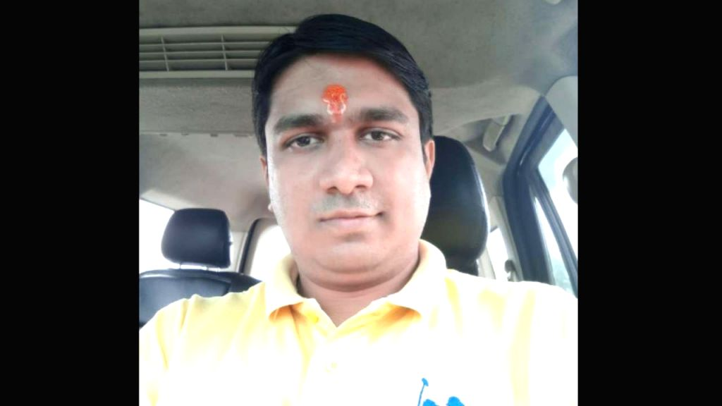 Know Vinay Dubey, the man accused of instigating Mumbai migrants.