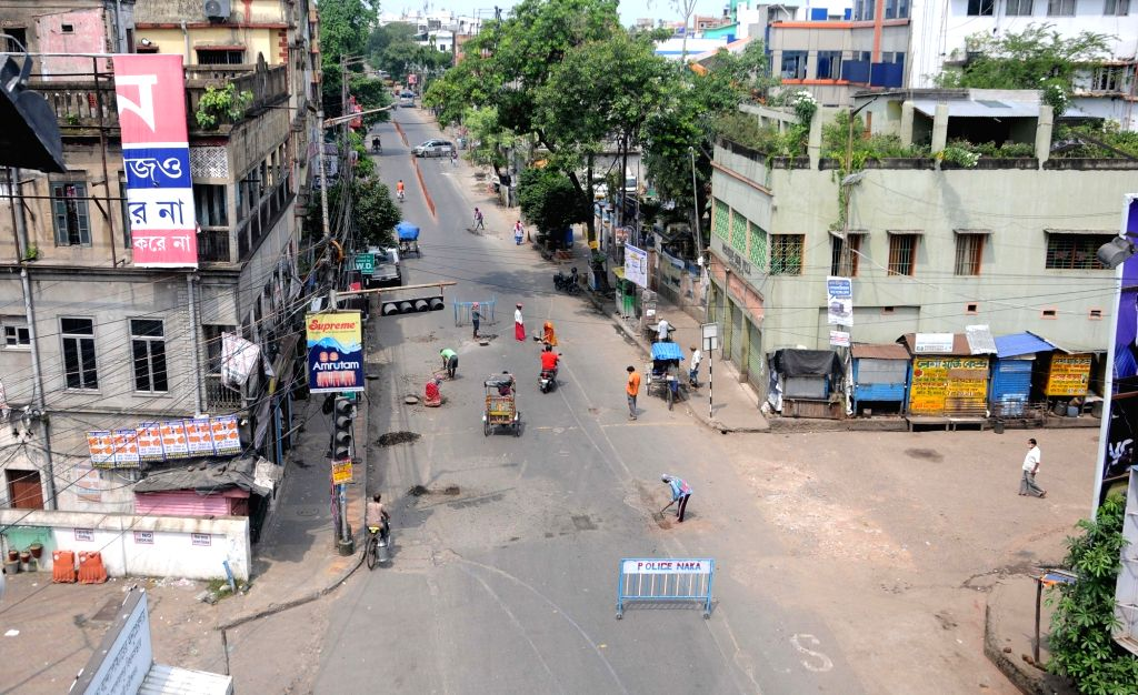 Kolkata : A deserted road being repaired during a biweekly COVID-19 lockdown in Kolkata on Aug 31, 2020.