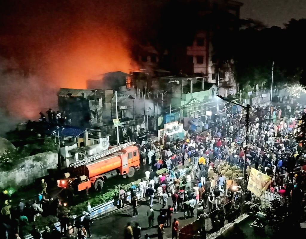 Kolkata:  A major fire broke out in Kolkata's Bagbazar area on Wednesday evening, West Bengal fire services officials said. As many as 27 fire engines were pressed into service to douse the blaze. The fire broke out at around 7 pm at Chitpore Lock Ga