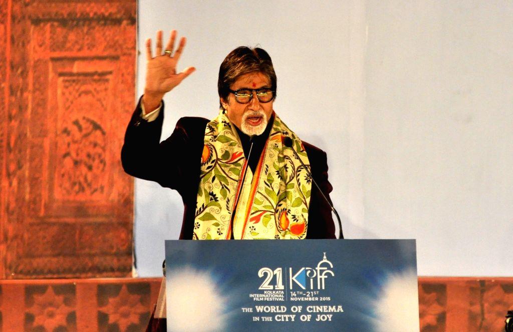 :Kolkata: Actor Amitabh Bachchan addresses during the inauguration of the 21st Kolkata International Film Festival in Kolkata on Nov 14, 2015. . - Amitabh Bachchan
