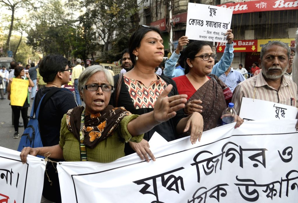 Kolkata: APDR activists stage a demonstration to urge people to say no to war in Kolkata on Feb 20, 2019. (Photo: IANS)