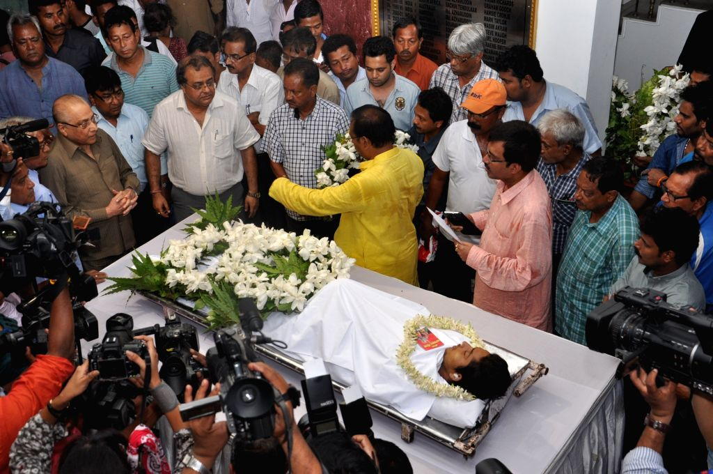 BCCI president Jagmohan Dalmiya pays tribute to former Bengal Under-19 captain Ankit Kesri who succumbed to a head injury on April 20, 2015. He had sustained a head injury in an on-field ... - Ankit Kesri