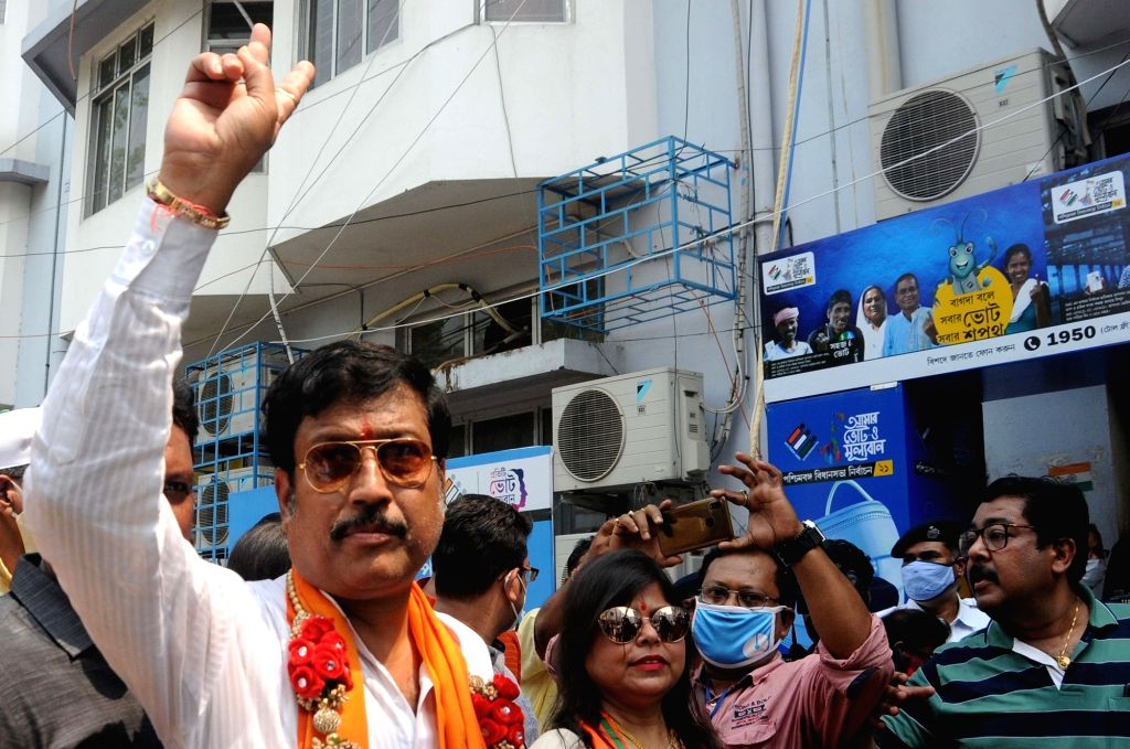 Kolkata: BJP candidate for Bidhannagar Assembly Constituency Sabyasachi Dutta took part in a rally during going to file nomination ahead of State Assembly election in Kolkata on Wednesday March 24, 2021. (Photo: Kuntal Chakrabarty/IANS)