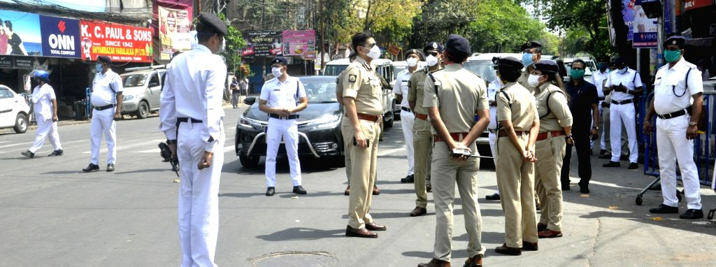 Kolkata Commissioner of Police, Anuj Sharma gives instructions to police officers and reviews the situation during his inspection visit to Shyambazar on Day 7 of the 21-day nationwide ... - Anuj Sharma