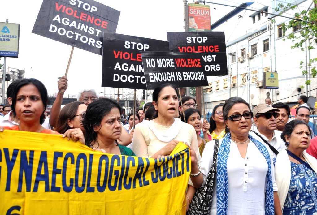Kolkata: Doctors participate in a protest rally to express solidarity with the junior doctors at the NRS Medical College and Hospital agitating against the brutal attack on two junior doctors against the brutal attack on two junior doctors, in Kolkat