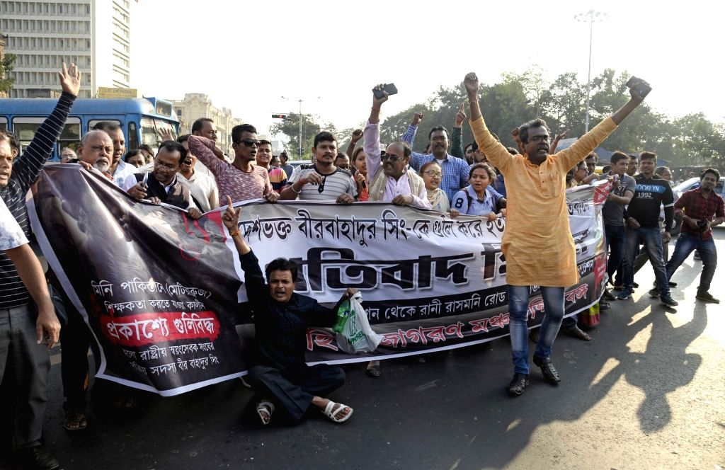Kolkata: Hindu Jagaran Manch activists take out a procession protesting against the firing at a Rashtriya Sawamsevak Sangh member in Kolkata, on Dec 4, 2019. Police carried out a mild cane charge, and detained around 70 Hindu Jagran Manch activists a