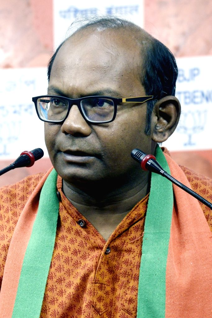 Kolkata, June 26 (IANS) Senior West Bengal BJP leader Sayantan Basu was on Friday stopped midway by the police in East Midnapore while he was heading for a public rally in the district and made to return to the state capital. - Sayantan Basu