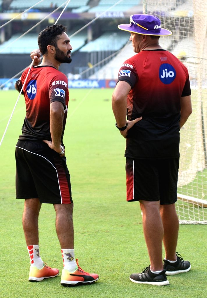 Kolkata Knight Riders (KKR) captain Dinesh Karthik and coach Jacques Kallis during a practice session at Eden Gardens in Kolkata, on April 13, 2018. - Dinesh Karthik