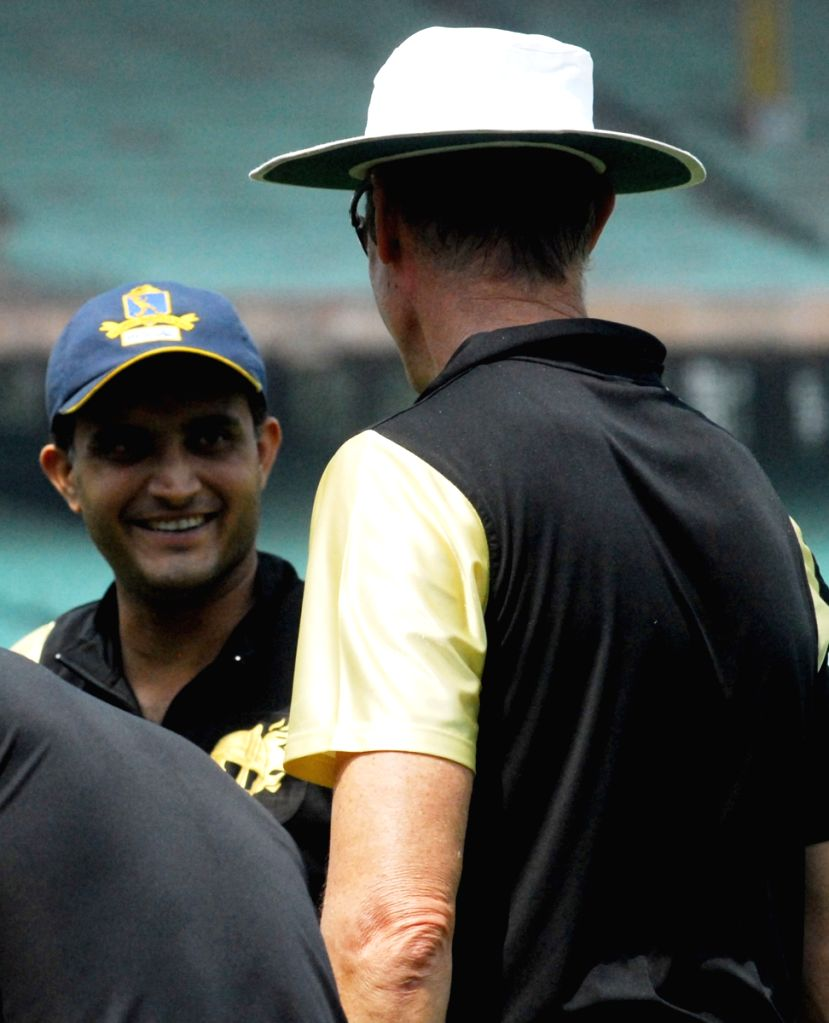 Kolkata Knight Riders manager John Buchanan and Sourav Ganguly at the practice session at Eden Gardens in Kolkata on Wednesday 25 March 2009.