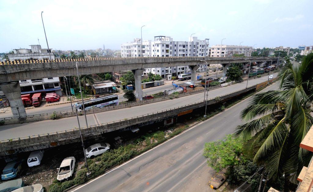 Kolkata : Kolkata roads bear a deserted look during the biweekly COVID-19 lockdown on Aug 31, 2020.