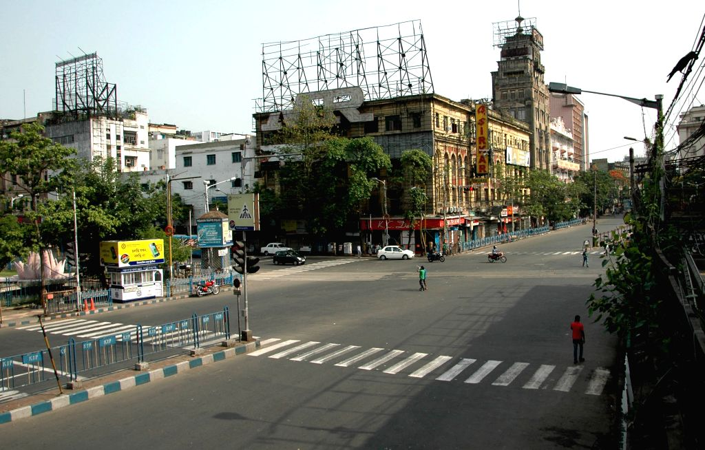 Kolkata wears a deserted look during a 12 hour general strike called by opposition parties in Kolkata on April 30, 2015.