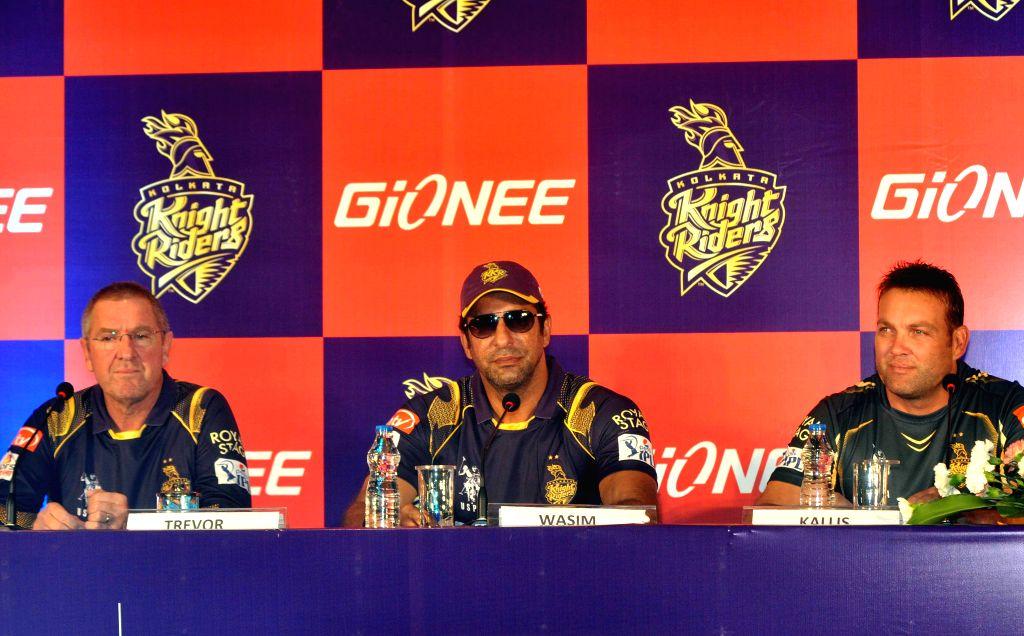 (L to R) Kolkata Knight Riders (KKR) head coach Trevor Bayliss, KKR bowling coach Wasim Akram and KKR mentor Jacques Kallis during a press conference in Kolkata on April 7, 2015.