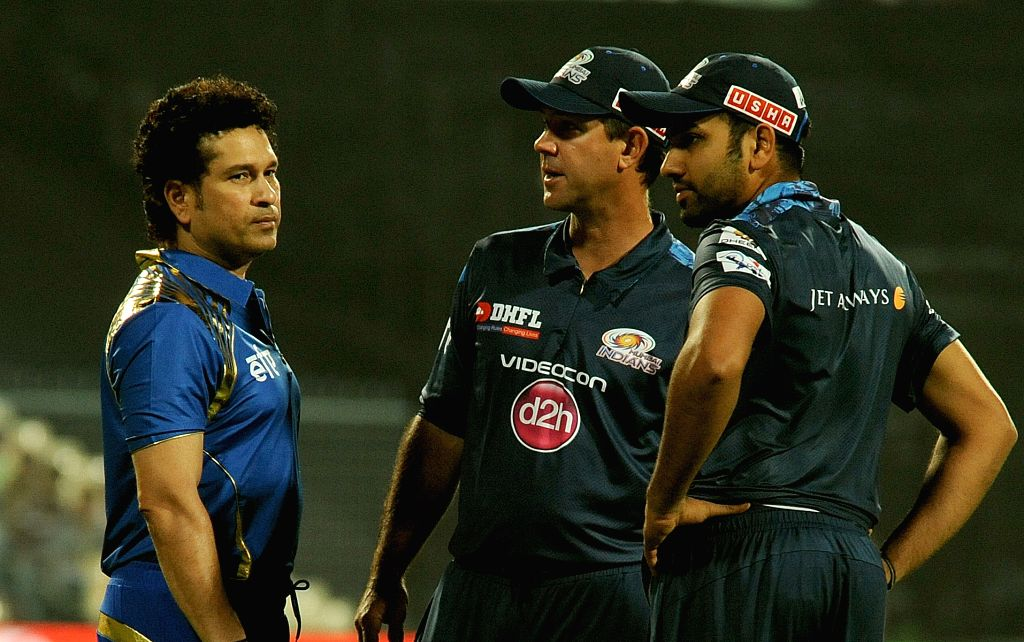 Mumbai Indians (MI) captain Rohit Sharma, team's icon Sachin Tendulkar and head coach Ricky Ponting at the Eden Gardens in Kolkata, on April 8, 2015. - Rohit Sharma