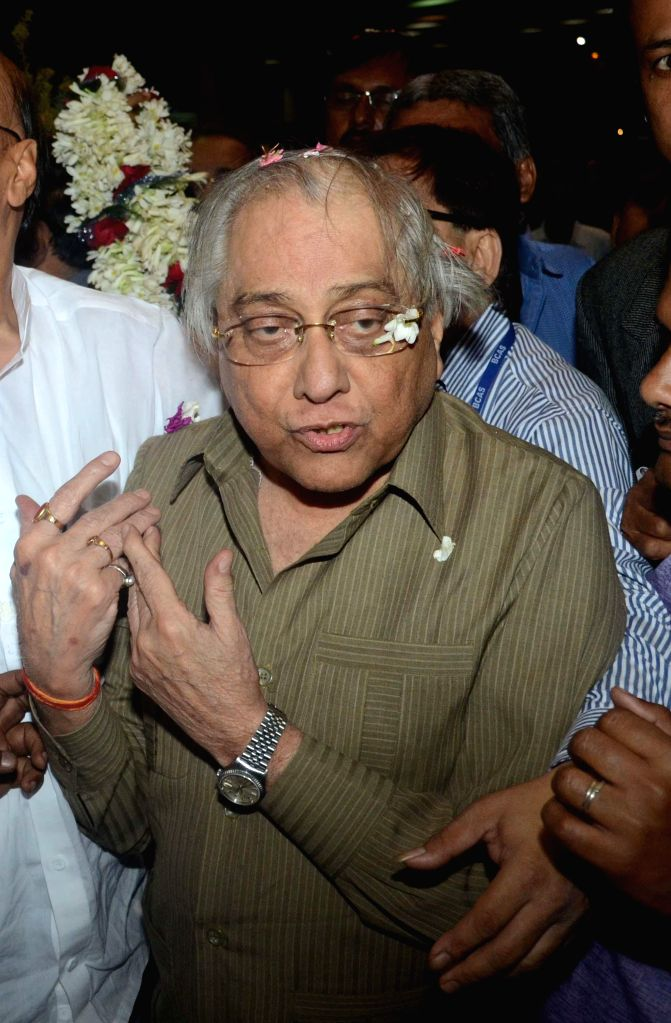 Newly appointed BCCI president Jagmohan Dalmiya arriving at NSC Bose airport last night in Kolkata on March 2, 2015.