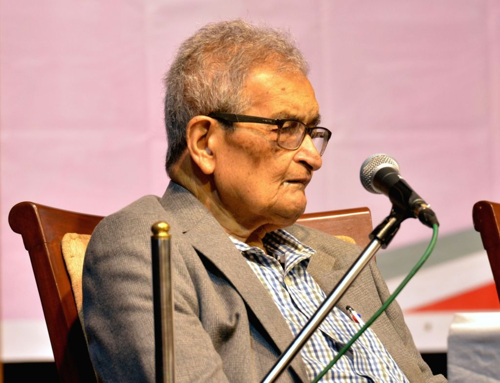 Kolkata: Nobel Laureate economist Amartya Sen addresses during a programme, in Kolkata on July 5, 2019. (Photo: IANS)
