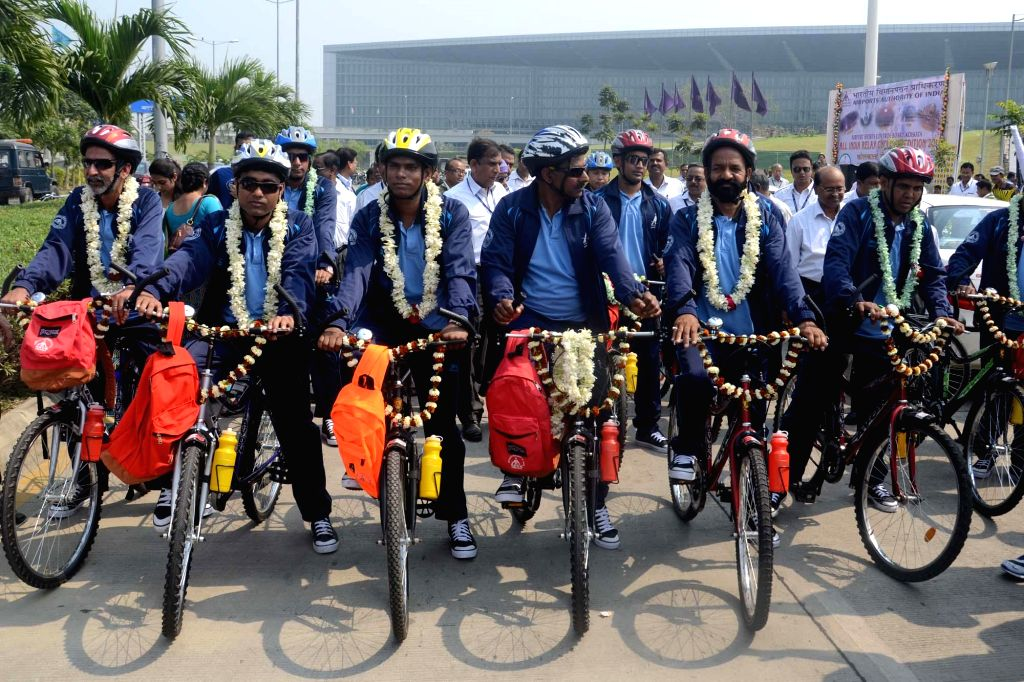 Participants of a Kolkata-Ahmedabad cycle rally organised by Airports Authority of India (AAI) at the flagging-off ceremony in Kolkata, on Feb 27, 2015.