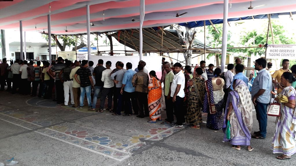 Kolkata: People queue-up to cast their votes during the seventh and the last phase of 2019 Lok Sabha Elections at the polling booth setup at Rabindra Bharati University in Kolkata, on May 19, 2019. (Photo: Kuntal Chakrabarty/IANS)